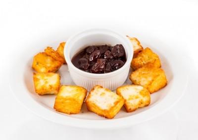 Fried Halloumi & grapes