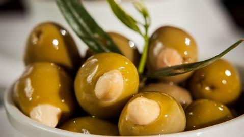 Olives-with-Almonds