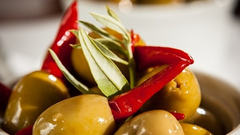 Olives-with-Chilli